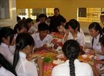 Thượng tọa Thích Trí Minh hết lòng với học trò nghèo