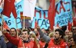Bất chấp biểu tình, Bồ Đào Nha thông qua ngân sách khắc khổ