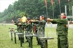Tùy viên quân sự các nước bắn súng 'đua tài'