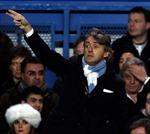 Derby Manchester quyết định tương lai của Mancini