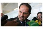 Bộ trưởng Lao động từ chức vì.. đánh người lao động
