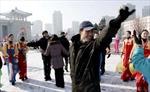 Người dân Triều Tiên ăn mừng phóng tên lửa thành công