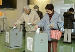 Cử tri Nhật Bản đi bỏ phiếu bầu Hạ viện