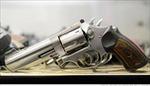 Học trò Mỹ muốn dùng súng trị súng