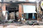 Cháy nhà, cả khu dân cư náo loạn.