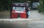 Đắm tàu tại Somalia, lũ lụt ở Sri Lanka