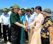 Thủ tướng Nguyễn Tấn Dũng thị sát huyện đảo Vân Đồn