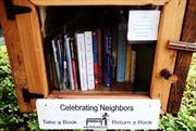 """Thư viện sách """"tí hon"""" đầy nhân văn"""