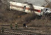 Cháy xưởng may ở Italy và tai nạn tàu hỏa ở Mỹ