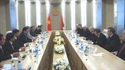 Phó Chủ tịch Quốc hội Huỳnh Ngọc Sơn làm việc với Bộ Quốc phòng Belarus
