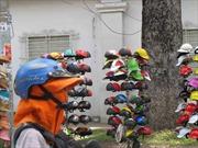 Siết luật để quản mũ bảo hiểm rởm