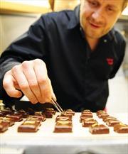 Đến Pháp thưởng thức sôcôla... côn trùng