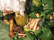 Hà Nội bắt 4 xe máy vận chuyển thực phẩm bẩn