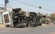 Gây tai nạn thảm khốc, lái xe khách bỏ trốn