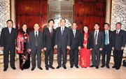 Chủ tịch Mặt trận Tổ quốc Việt Nam thăm Singapore
