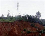 Khẩn trương di dời dân khỏi vùng nguy cơ sạt lở đất