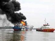 Khẩn trương điều tra vụ cháy tàu chở gạo