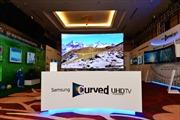 Trải nghiệm điện ảnh trên TV màn hình cong của Samsung