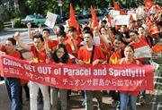 Người Việt tại Malaysia phản đối giàn khoan trái phép