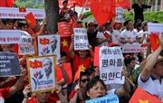 Người Việt khắp Hàn Quốc tuần hành phản đối Trung Quốc