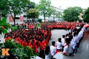 Sinh viên Ngoại thương xếp hình bản đồ Việt Nam