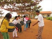 Trẻ em dân tộc kể chuyện bằng ảnh