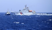 35 tàu cá vỏ sắt Trung Quốc uy hiếp tàu cá Việt Nam