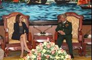 Thượng tướng Nguyễn Chí Vịnh tiếp Trợ lý Bộ trưởng Quốc phòng Hoa Kỳ