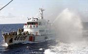 Tàu Trung Quốc dùng thủ đoạn để quay phim, chụp ảnh