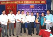 Người Việt ở Udomxay ủng hộ quân dân biển đảo thân yêu