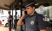 Cảnh sát Brazil vất vả với cổ động viên cuồng nhiệt