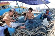 Kết hợp khai thác thủy sản với bảo vệ chủ quyền