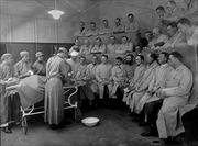 Khâu nối mạch máu -  phát minh mở đường của ngành phẫu thuật hiện đại