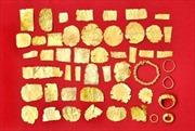 Phát hiện 49 hiện vật bằng vàng thuộc văn hóa Óc Eo