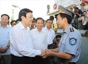 Chủ tịch nước động viên chủ tàu cá, tàu kiểm ngư trở về từ Hoàng Sa