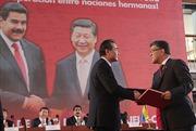 Venezuela và Trung Quốc ký 38 văn kiện hợp tác