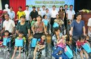 Bắc Ninh: Trao tặng 100 xe lăn cho trẻ em khuyết tật