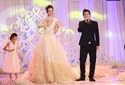 Váy cưới kỷ lục khẳng định chủ quyền biển đảo