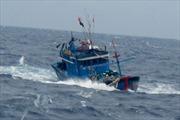 Cứu 6 ngư dân trên tàu cá bị chìm tại Bình Thuận