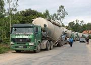 Xử lý xe chở quá tải trên quốc lộ - Bài 1: Đủ cách qua mặt cơ quan chức năng