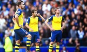 Arsenal thoát hiểm, Chelsea nhọc nhằn