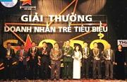 10 doanh nhân trẻ được trao giải thưởng Sao Đỏ