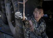 Binh sĩ hai phe Ukraine thấp thỏm chờ ngừng bắn