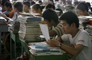 Giáo dục và thi cử ở nước ngoài: Trung Quốc áp dụng một kỳ thi
