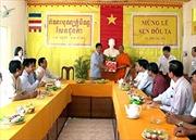 Ban Chỉ đạo Tây Nam bộ tặng quà nhân dịp Lễ Sen Dolta