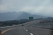 Cao tốc Nội Bài - Lào Cai bị nứt sau 3 ngày thông xe