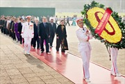 Đoàn đại biểu Mặt trận Tổ quốc viếng Lăng Bác