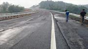 Nhà thầu chịu kinh phí xử lý vết nứt cao tốc Nội Bài-Lào Cai