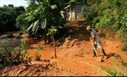 Tập trung khắc phục sự cố vỡ đập chứa bùn tại Yên Bái