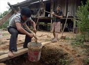 Bản tái định cư không điện, thiếu nước